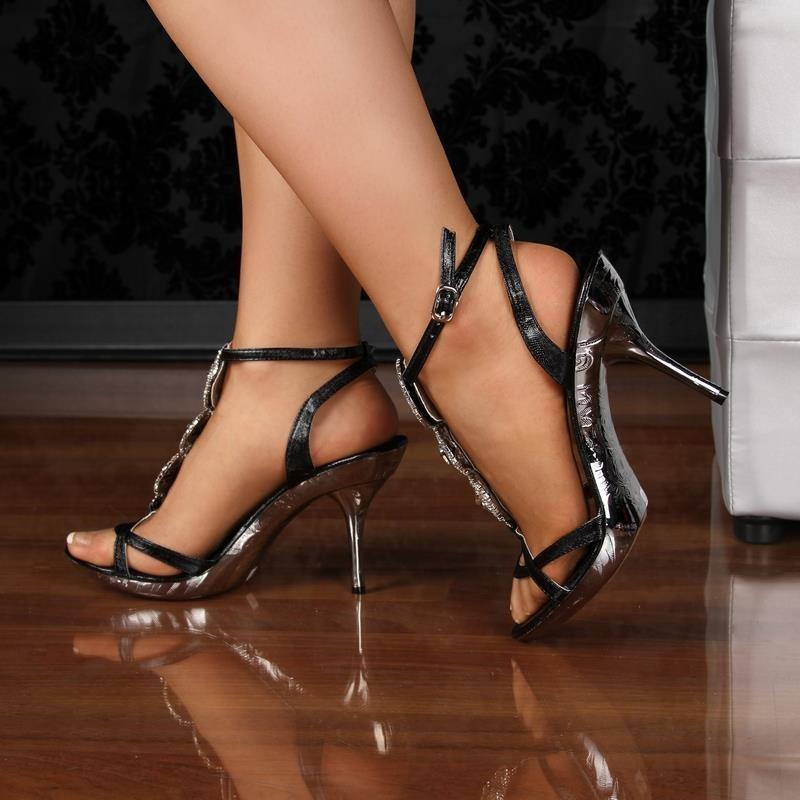 porno high heels heavensgate wulfen