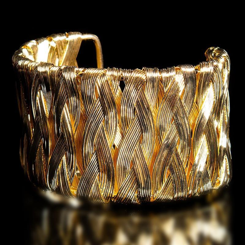 Modeschmuck gold  EDLER ARMREIF IN FLECHTOPTIK, 9,95 €