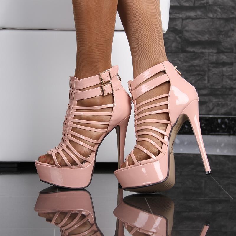 High Heels mit rasierten Riemen