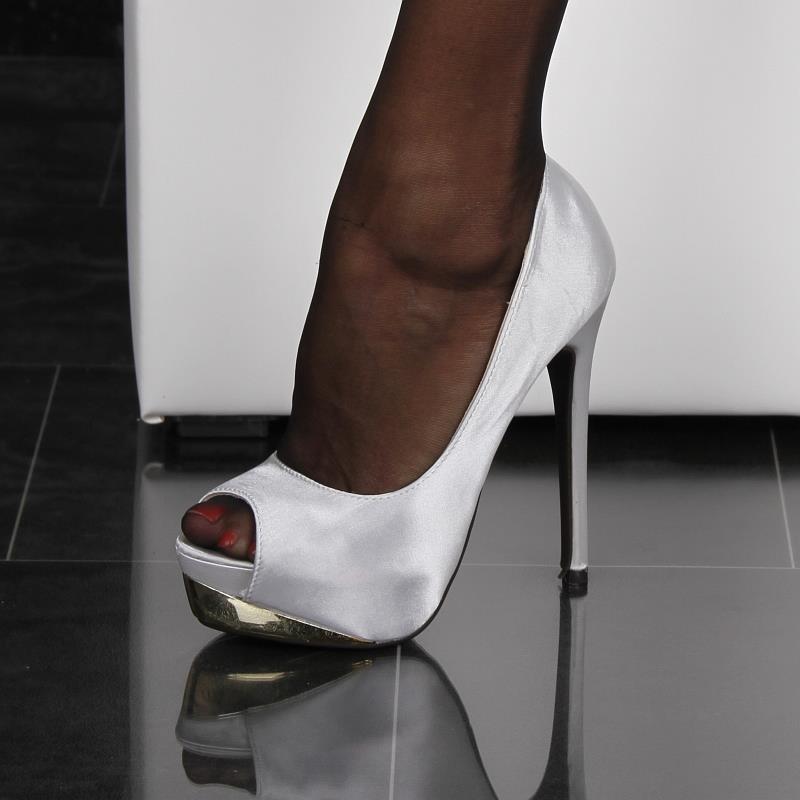 high heels und strapse seitensprung kontakt