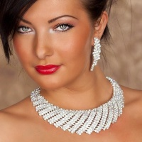 PRECIOUS RHINESTONE SET NECKLACE + EARRINGS
