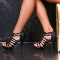FANCY SANDALS WITH RIVETS BLACK