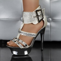 SEXY PLATFORM HIGH HEELS WITH RHINESTONES AND RIVETS CHAMPAGNE