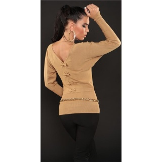ELEGANT FINE-KNITTED SWEATER WITH BATWING SLEEVES CARAMEL