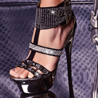 SEXY PLATFORM HIGH HEELS WITH RHINESTONES AND RIVETS BLACK