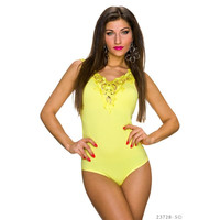 FEMININE BODY TOP WITH EMBROIDERIES AT THE NECKLINE YELLOW