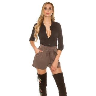 Trendy ladies pleated pants with tie belt cappuccino