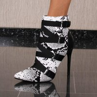 Womens faux leather ankle boots in snake look white UK 3,5